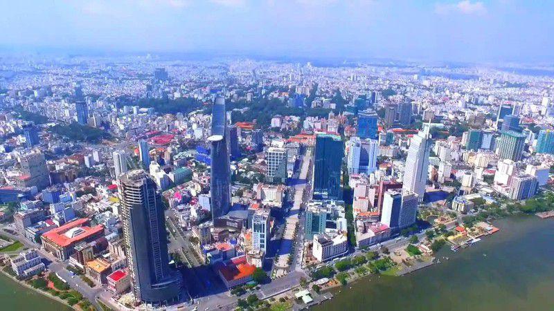 Nhờ định hướng đúng đắn, Việt Nam ngày càng phát triển và khẳng định vị thế trên trường quốc tế.