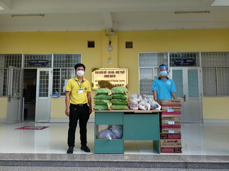 C:\Users\Trieu\Desktop\Đoàn Khoa Ngôn ngữ - Văn hoá - Nghệ thuật Khmer Nam Bộ đồng hành cùng Đoàn viên có hoàn cảnh khó khăn do ảnh hưởng của đại dịch Covid - 19.jpg